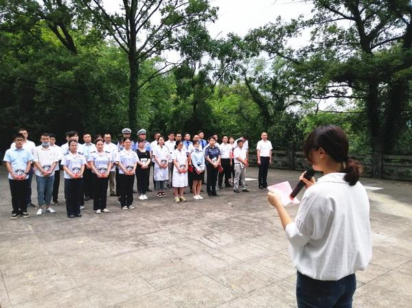 6月29日,县直机关工委在在爱国主义教育基地举行新党员入党集中宣誓系列活动3 (2).jpg